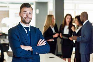 עשרת דיברות למציאת סוכן ביטוח מוצלח